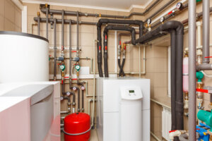 What is the average life expectancy of a heat pump